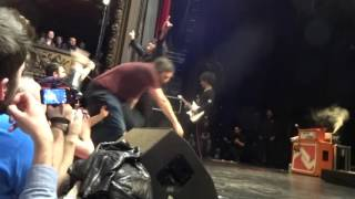 at the drive in one armed scissor le trianon 29 03 2015