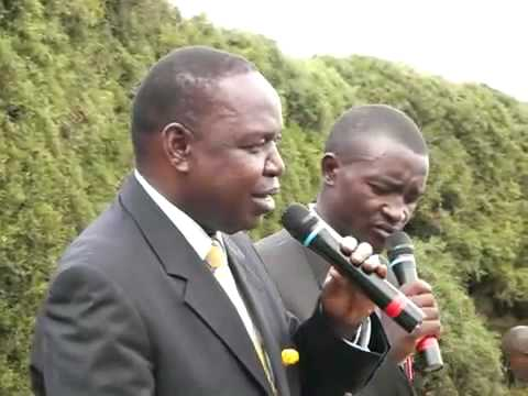 Ugandan Minister of Finance thanking Better Globe and Child Africa at an event in 2009 (English)
