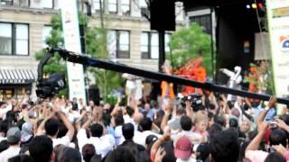 Download Hindi Video Songs - Abida Parveen - Must Qalandar @ Union Square, NYC