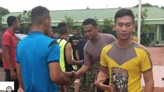 Download Video Adu jotos 1 tni vs 2 polisi berakhir damai karena salah paham MP3 3GP MP4