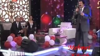 Müslüm Gürses Sevda Yüklü Kervanlar Akustik Performans Zarayla tv 8 2010