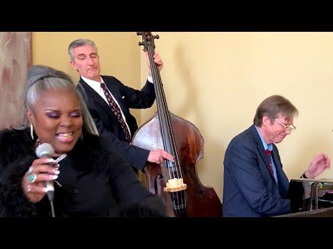 Chicago Jazz Trio live demo, featuring Deborah, Daniel Anderson, and Thomas Gunther