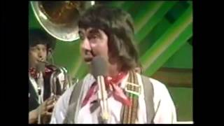 Rare Footage! The Wurzels making another guest appearance on The Arrows TV show, 1976!