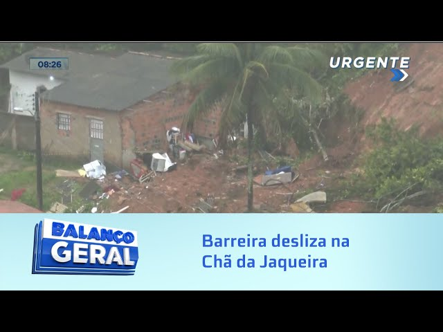 Hoje: Barreira desliza na Chã da Jaqueira