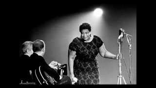 ELLA FITZGERALD -- NIGHT AND DAY- ( Cole Porter ) With Lyrics !
