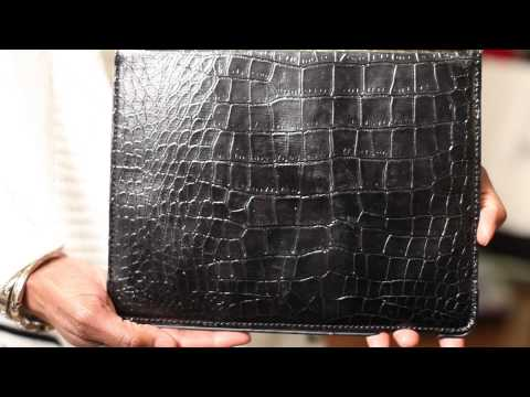 How to Clean a Patent Leather Purse : Handy Handbag Tips