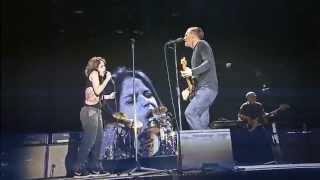 Rock in Rio: Bryan Adams fan sings with him