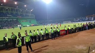 Perayaan Kemenangan Arema FC di Kandang Perseru Serui   Perseru 0 Vs 1 Arema Fc