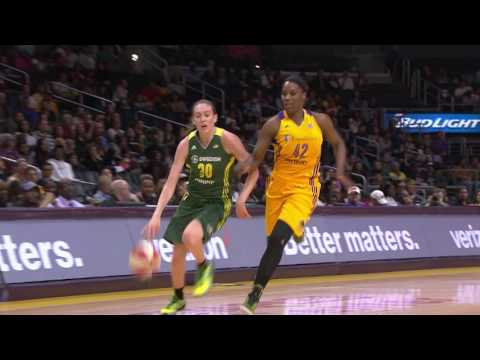 Breanna Stewart Drops 23 in WNBA Debut