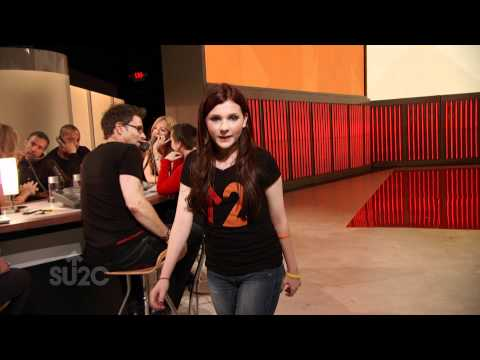 Abigail Breslin Stands Up To Cancer