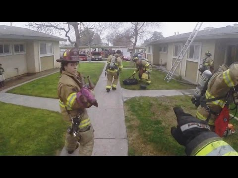 Dramatic video: Three kids rescued in Fresno apartment fire