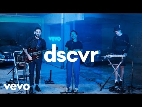 Adam Naas - Fading Away - Vevo dscvr France