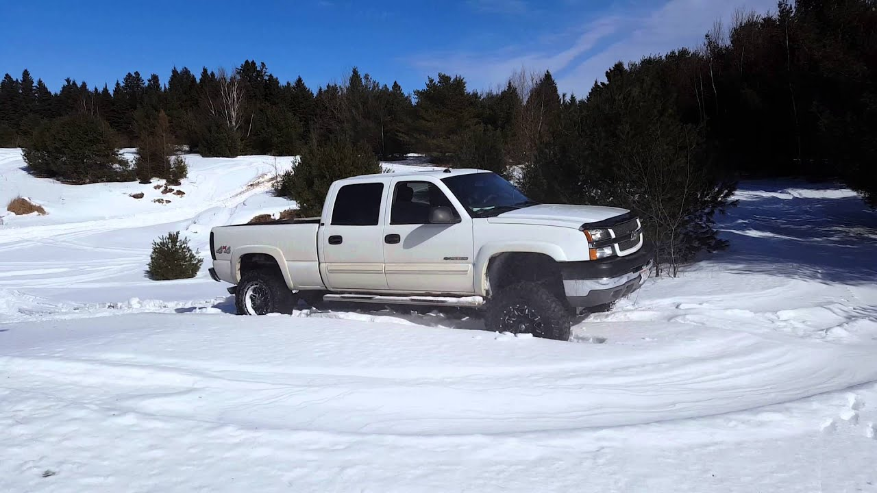 Lifted 2004 Chevy Silverado 2500 HD In Snow and Hillclimbs ...
