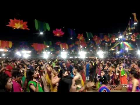 Dhinak dhintak dhinak dhin ta... - United Way Garba 2017
