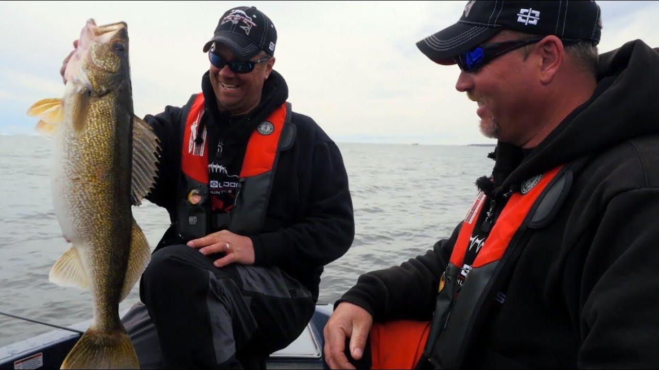 Oconto pre spawn walleyes in depth outdoors tv season 9 for Oconto fishing report