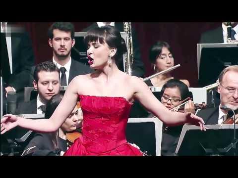 "Aida Garifullina アイーダ・ガリフッリーナ - Quando me'n vo ""La Bohème"" Puccini - 私が街をあるけば"
