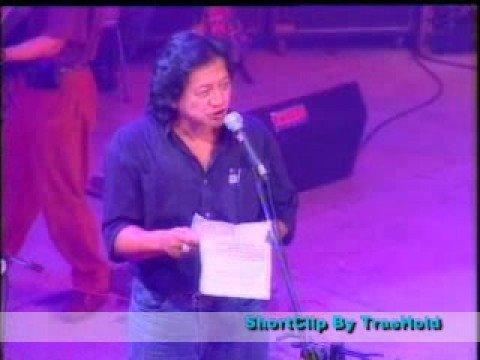 Konser Kantata Takwa Senayan 1995 - Kecoak Pembangunan