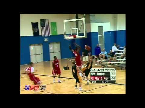 Bryson White throwing down