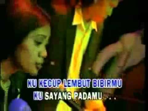 KASIH JANGAN KAU PERGI by BUNGA band - YouTube.FLV