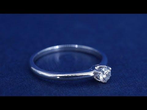 Милое помолвочное кольцо с бриллиантом  0,12 карат от Diamond Gallery