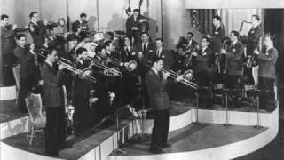 Glenn Miller with Marion Hutton -- Bluebirds In the Moonlight.wmv