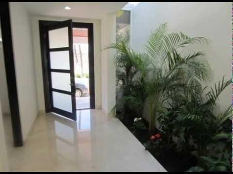 Nica en su estilo casa para estrenar en el exclusivo for Modelos de puertas de hierro para casa