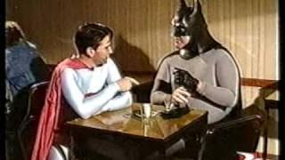 BATMAN Y SUPERMAN EN EL BAR