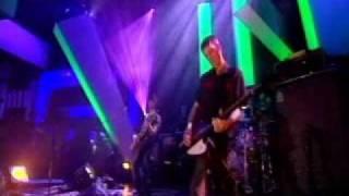 Ash - Orpheus (Live on Jools Holland 2004)