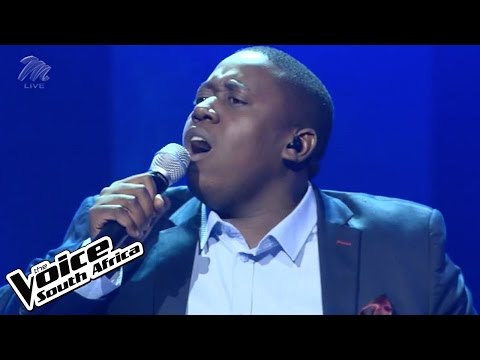 Clemour sings