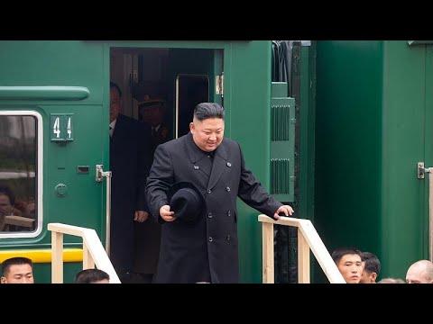 زعيم كوريا الشمالية يصل روسيا على متن قطاره الخاص.. لماذا يفضل السفر بالقطار؟ …  - نشر قبل 1 ساعة