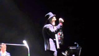 Eduardo De Crescenzo Palapartenope 9 aprile 2015 E la musica va