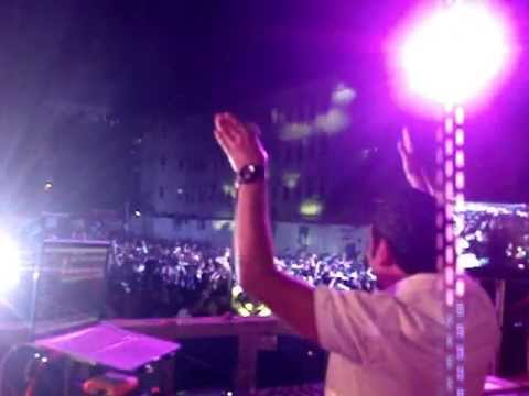 DJ Akhtar Interacts with the crowd at Chakrawyuha 2013