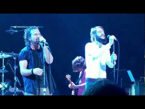 Pearl Jam - Hunger Strike w/Ben Bridwell - 5.21.10 New York, NY