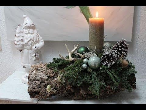 Weihnachtsdeko Rinde.Weihnachtsdeko Gesteck Auf Baumrinde Bärbel S Wohn Deko Ideen