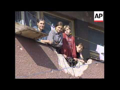 BOSNIA : AID CONVOY DIRECT ROUTE FROM SAREJEVO TO GORAZDE