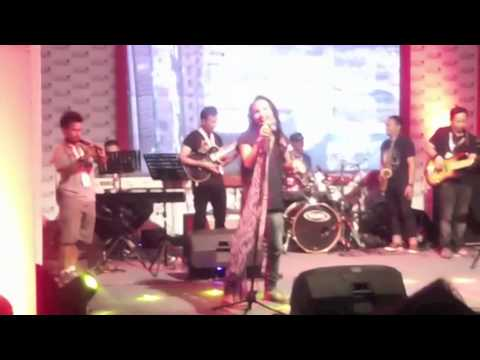 IPANG & TenT Music Project - Redemption Song  (Bob Marley - cover) Java Jazz Festival 2013