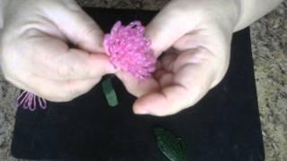 Хризантема из бисера. Мастер класс. Бисероплетение.(Цветок хризантемы выполняется петельным плетением, листочки французским плетением. Для изготовления цвет..., 2015-02-11T12:34:08.000Z)