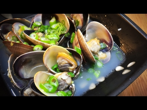 Simple Sake Steamed Clams