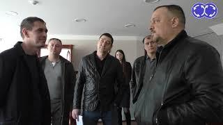 Казань автосалон с чудной охраной. Казань автосалон
