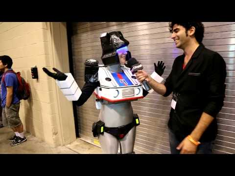 Cosplayer Transformers Jazz Rocks Fan Expo!