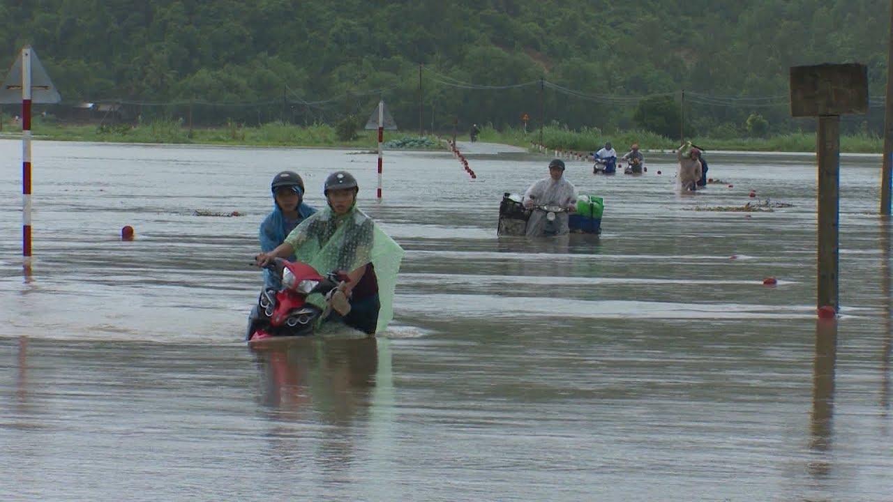 Mưa lũ ở Phú Yên làm một người chết, các thủy điện tăng lưu lượng xả lũ
