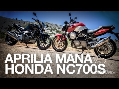 honda nc 700s vs aprilia mana duel moto automatique youtube. Black Bedroom Furniture Sets. Home Design Ideas