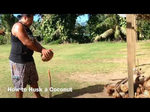 Cook Islands Holiday Guide - How to Husk a Coconut