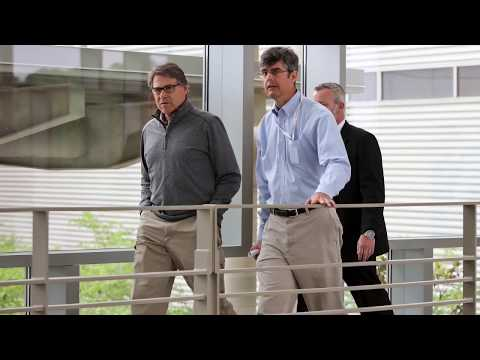 Energy Secretary Rick Perry visits Oak Ridge National Laboratory