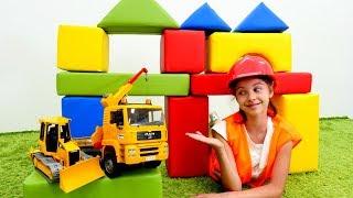 Смешное видео для девочек. Полен - строитель. Видео про игрушки