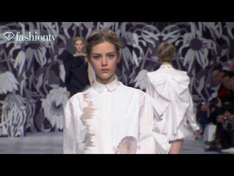 Viktor & Rolf Fall/Winter 2013-2014 Show | Paris Fashion Week PFW | FashionTV
