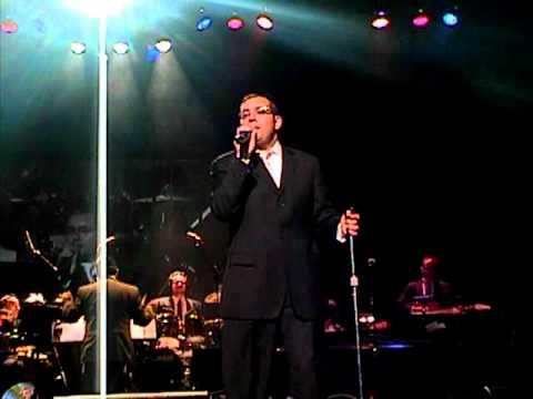 COLlive.com-Dovid Gabay sings Hagomel - Sukkos concert 2010