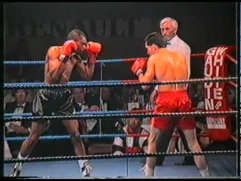 Mickey Costello vs Ian Thomas