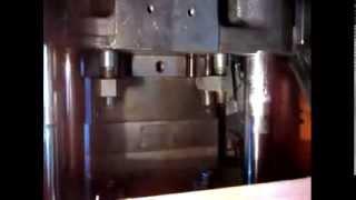 видео Обладнання для виробництва ПВХ вікон та склопакетів