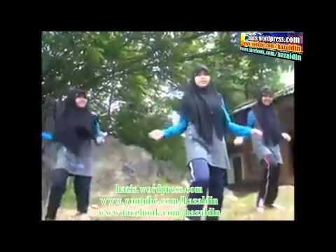 SENAMAN PENGUIN_PENGUIN DANCE by hazaldin